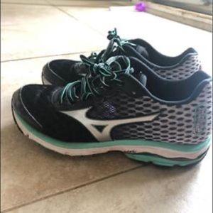 Mizuno Waverider Women's Size 7 Running Shoes